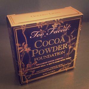 Too Faced Cocoa Powder Foundation Golden Light NIB